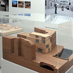Ausstellung: Werkstatt-Häuser oder hehre Tempel